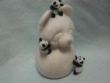 パンダ雪だるまと子パンダたち3