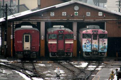 高岡駅の気動車車庫