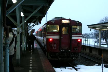 城端駅のキハ40