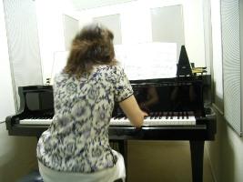 pianoback.jpg