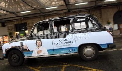ロンドンには、ガットゥーゾをディスプレイしたタクシーがあるらしい…のってみたいわぁ。