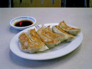 鶴廣でマーボー丼と餃子を食べる。004