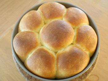 セモリナ粉のちぎりパン①