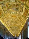 バチカン美術館内の廊下の天井
