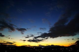 家のベランダから見た西の空