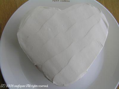 バレンタイン用のケーキを作りました