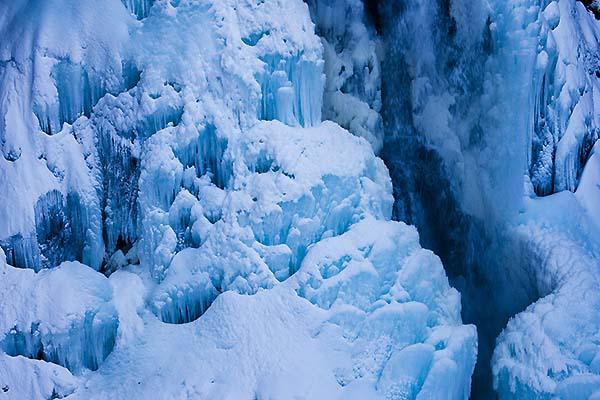 氷024W8580