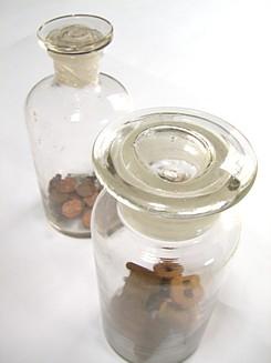 メディカルボトルとガラス瓶