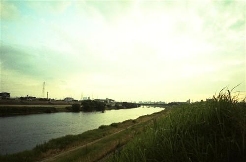 夕方の堤防