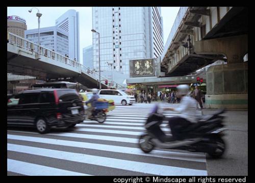 大阪駅ガード下