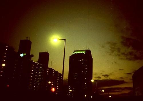 夕闇迫るまち
