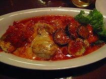 鳥と茄子とチーズのトマトソース