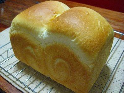 ハルユタカ食パン
