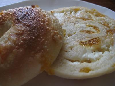 米粉Wアプリコットチーズベーグル6
