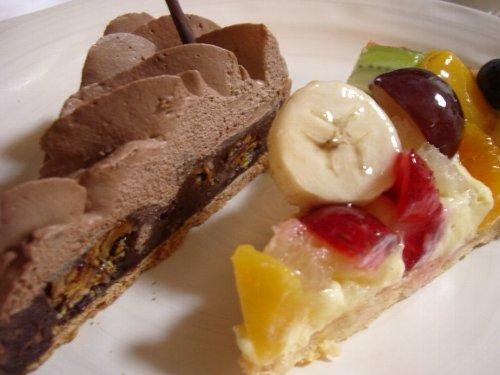 季節フルーツとチョコレート