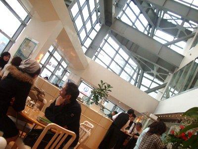 KIHACHI CAFEの店内