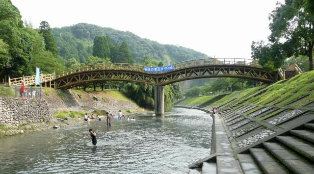 岩屋公園平安橋3