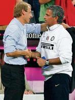 klinsmann-mourinho-gratulieren-sich-9938926-hoch,templateId=renderScaled,property=Bild,width=147