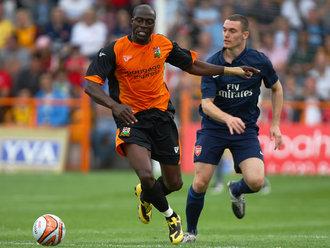 Arsenal-v-Barnet-Thomas-Vermaelen-Paul-Furlon_2335965.jpg