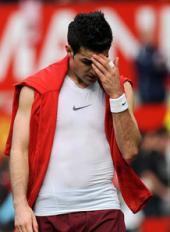 Cesc_Fabregas_misery_Man_utd_v_Arsenal_783998_convert_20081109215029.jpg