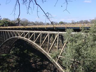 国境を超える橋
