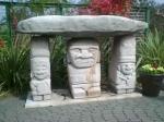 墓守の石像