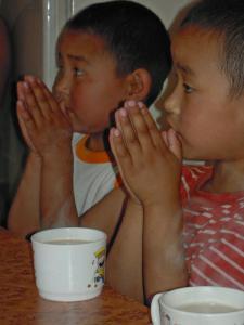 食事前の祈り2