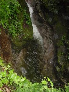 七ツ釜を見下ろす(5~6メートル(^^;))