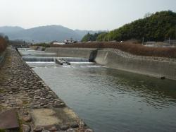飯田松川は堰堤がつづく