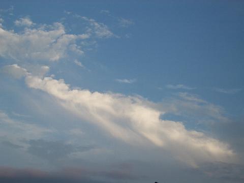 力強い雲。