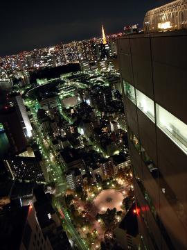 聖路加タワー夜景02