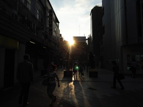 秋葉原の夕日