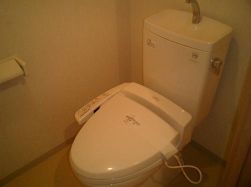 ウィステリア日吉302トイレ
