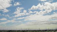 雲と高圧電柱