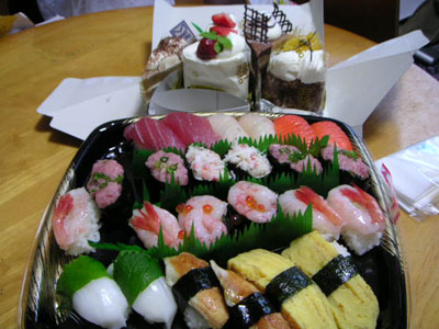 ケーキと寿司