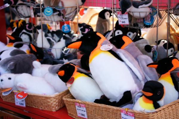 ペンギンのぬいぐるみ