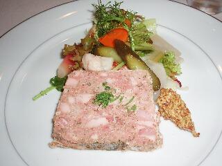 田舎風お肉のパテと自家製ピクルス添え