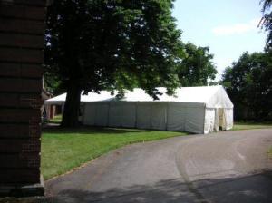 レクチャーのあるテント