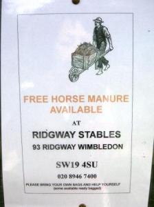 Horse Manureとは、馬糞のこと。
