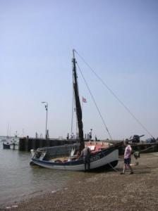 こんなヨットなら欲しい。