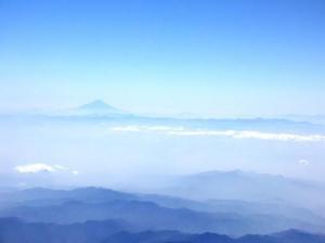 成田を出た機窓からの富士