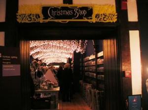 リバティの中のクリスマスショップ