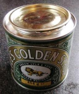 ゴールデンシロップの缶