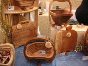 折りたたみ式の木製品