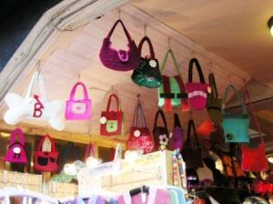フェルト製の可愛いバッグたち