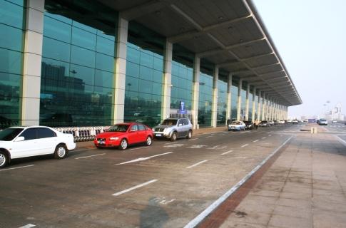 大連周水子国際空港2階ターミナル
