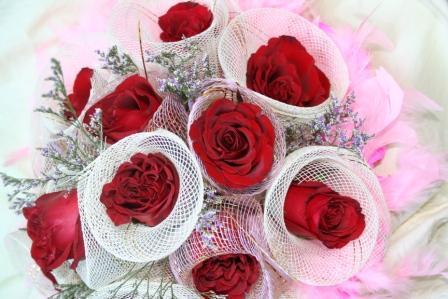買ってきた赤いバラの花束