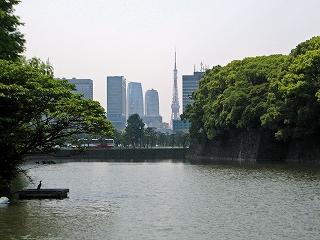 大手門から東京タワー