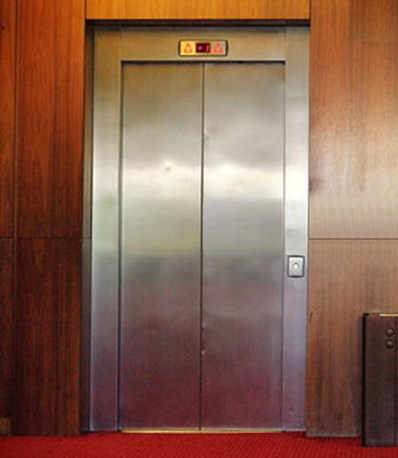 エレベータ1