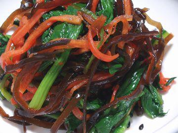 ほうれん草とニンジンの昆布サラダ